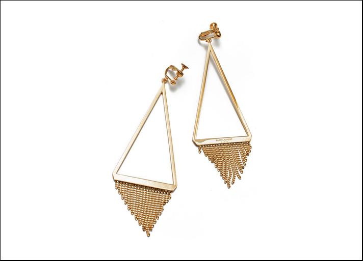 Saint Laurent, orecchini Gourmette in ottone placcato oro. Prezzo: 495 euro