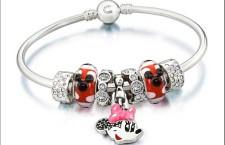Sarà come questo il bracciale Pandora dedicato a Minnie? Non è stato ancora presentato, però...