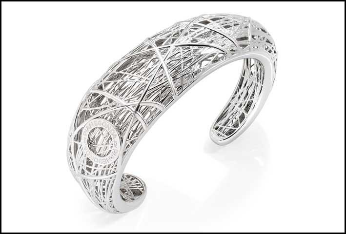 Bracciale Nest in argento rodiato. Prezzo: 440 euro