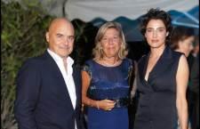 Raffaella Banchero (al centro), assieme a  Luisa Ranieri e Luca Zingaretti