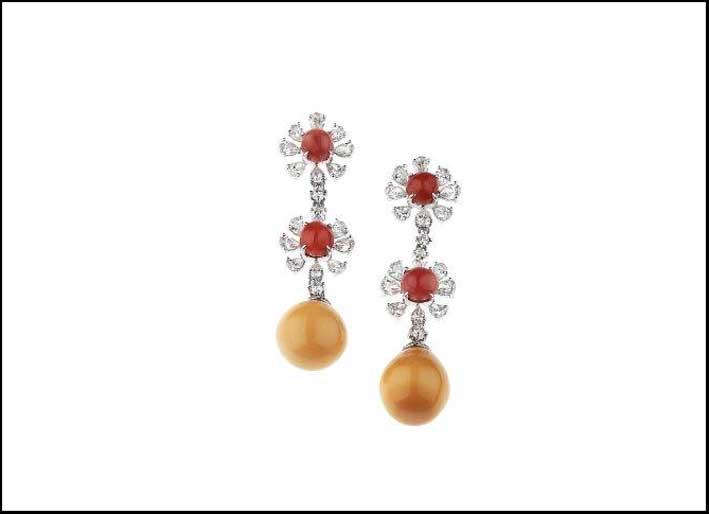Orecchini con perle Melo Melo e Conch naturali. Stima: 18-20miila euro