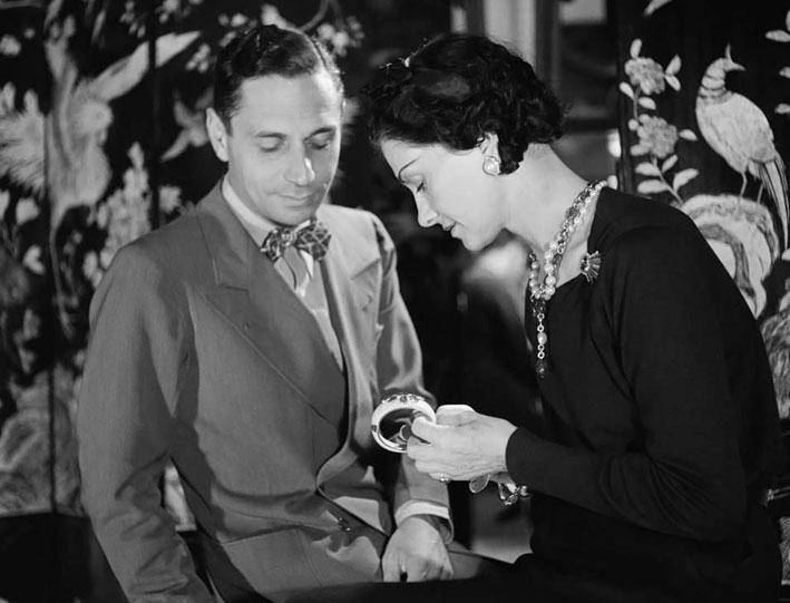 Coco Chanel e Fulco di Verdura. Per lei realizzò i bracciali con la croce maltese