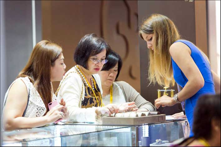 Business al recente Hong Kong Jewellery & Gem Fair