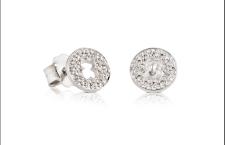 Collezione Confeti di Tous: orecchini in oro bianco con diamanti taglio brillante. Prezzo: 495 euro