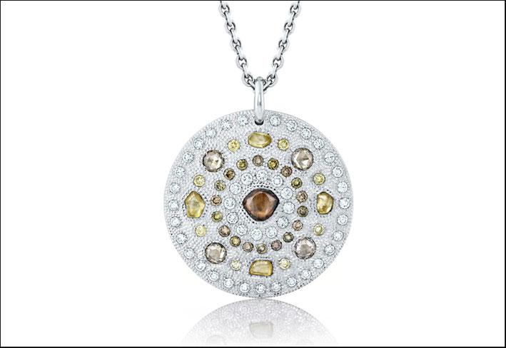 Pendente-talismano di de Beers, in oro bianco e diamanti