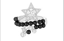 Chanel Comètes, anello Nuit de diamants, con 20 diamanti taglio brillante e 15 perle di spinelli neri