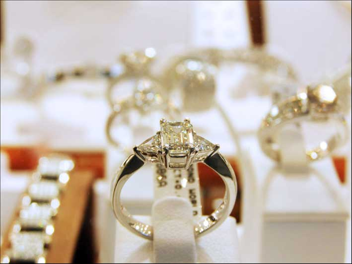 Vetrina di Anversa, il mercato più famoso per i diamanti