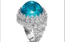 Harry Winston, anello pezzo unico con tormalina Paraiba taglio cabochon e diamanti
