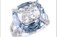 Bogh-Art, anello Kissing Diamonds con un diamante bianco posto sopra uno zaffiro azzurro