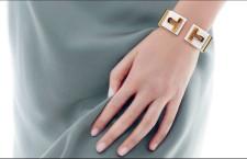 Bracciale della serie T di Tiffany. Ceramica e oro, prezzo: 8.500 dollari