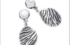 Collezione Zebra,  orecchini corti in argento. Prezzo: 120 euro