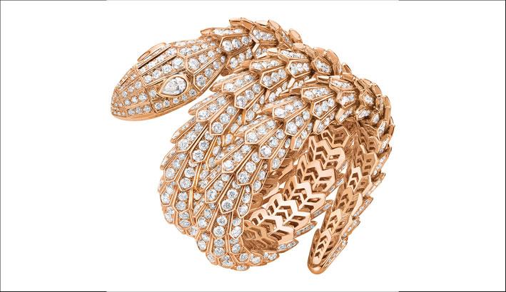 Bracciale di Bulgari della collezione Serpenti. Oro rosa e diamanti