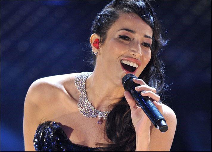 Nina Zilli indossa la collana Fiore in Fiore