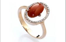 Eclipse, anello in oro giallo, corallo rosso e diamanti