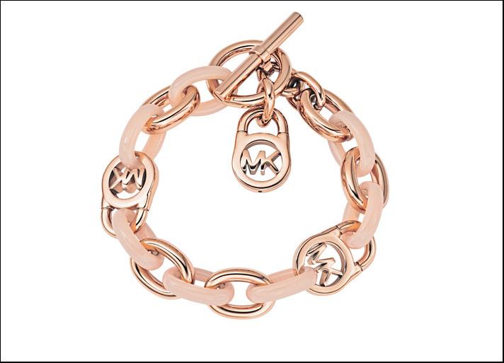 Fashion, bracciale in acciaio Rose Gold con elementi resina rosa, pendente con logo e chiusura a T. Prezzo:  129 euro