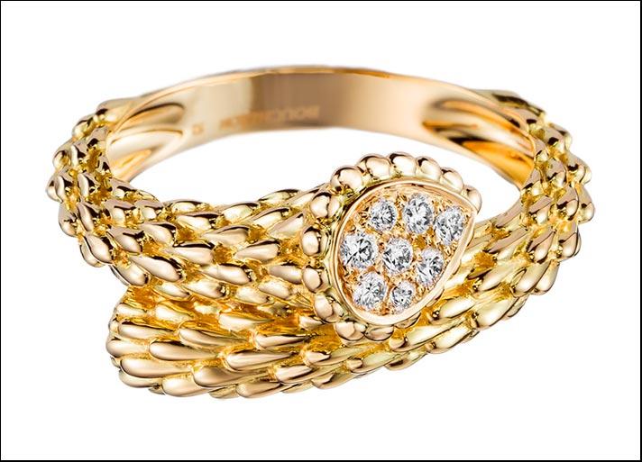 Boucheron, Serpent Bohème, anello piccolo in oro giallo con pavé di 8 diamanti per 0,12 carati. Prezzo: 2700 euro