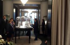 L'interno della boutique di Van Cleef & Arpels
