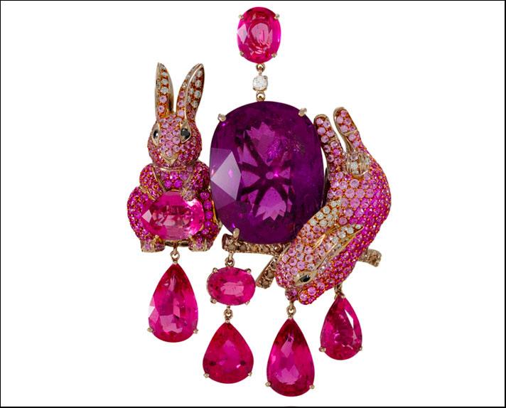 Lydia Courteille, spilla Pink Rabbit