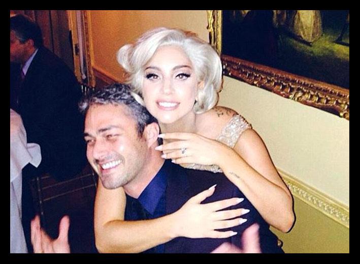Taylor Kinney e Lady Gaga, da Instagram