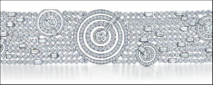Tiffany Blue Book, bracciale flessibile in platino con piastre a vortice, diamanti taglio tondo e baguette