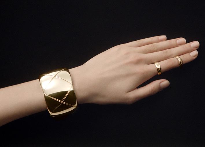 Coco Crush, bracciale, anello a fascia alta e più sottile in oro giallo