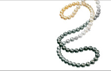 Collana con perle che sfumano in tre nuance della collezione Hero