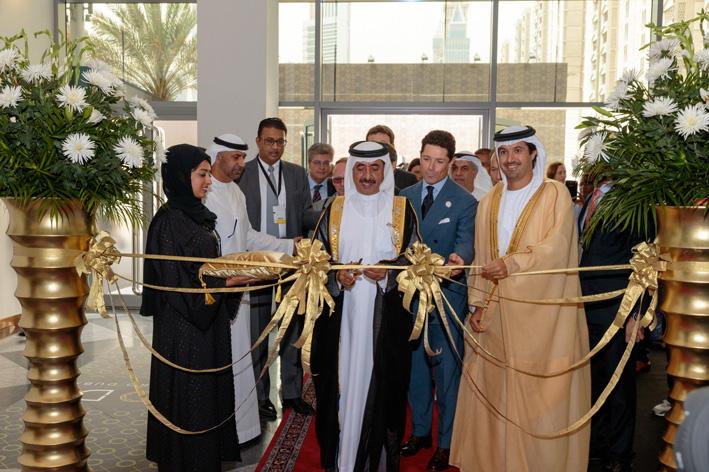 Sheikh Hasher Bin Maktoum Al Maktoum assieme a Matteo Marzotto al taglio delnastro