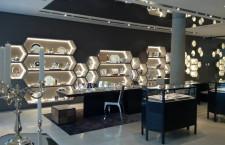L'interno della boutique Christofle di corso Venezia, a Milano