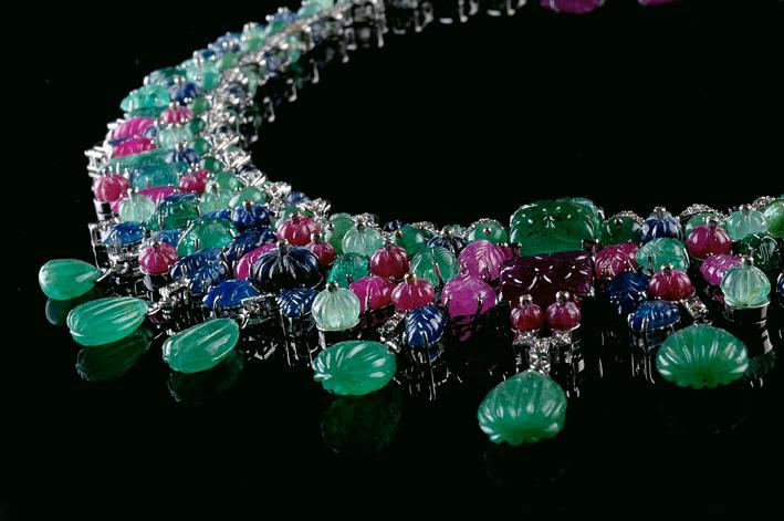 Particolare della collana in stile Moghul