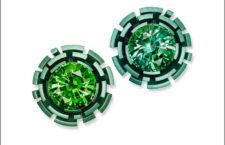 Orecchini con labirinto in alluminio e tormalina verde