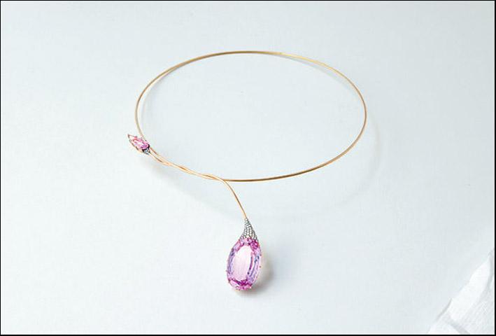 Collana con due topazi e diamanti