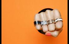 Bulgari, collana con diamanti, turchesi e oltre smeraldi. Prezzo approssimativo 8 milioni di euro