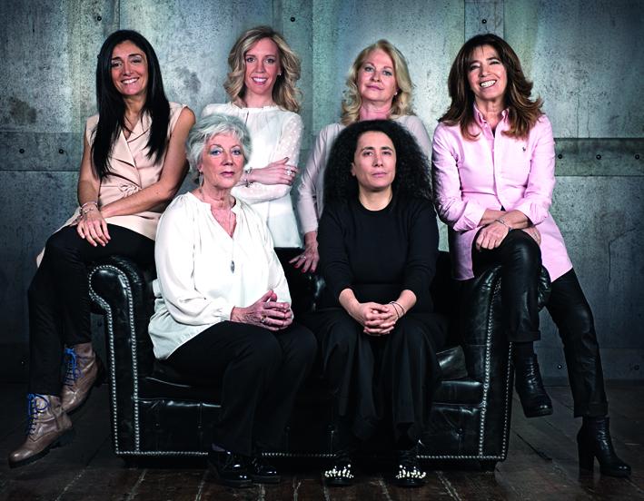 La giuria del concorso , da sinistra a destra: in basso  Franca Fossati Bellani e Sara Maino; in alto Giusy Laganà, Jole Milanesi, Valentina Molinari, Alida Forte Catella