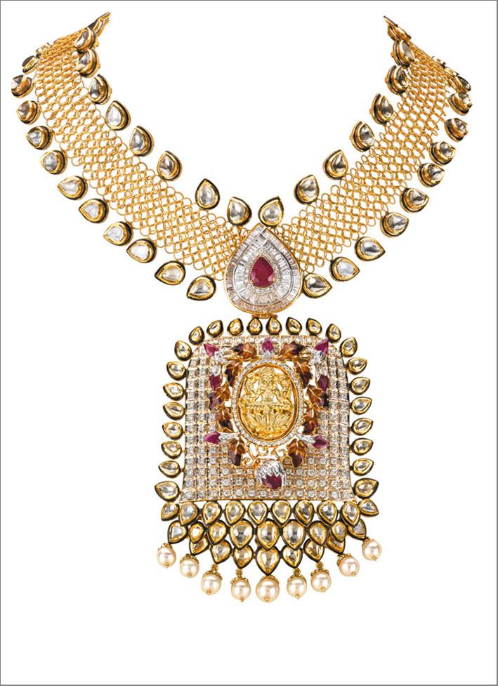 Collana tradizionale ispirata alla dea indù Lakshmi