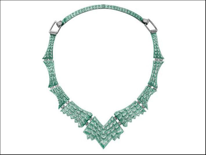 Niarchos, collezione Reptilia, collier Lady Caiman in argento placcato con rodio nero e nanoceramica verde e 415 diamanti