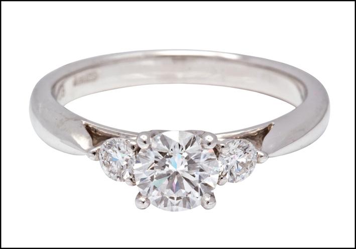 Anello con diamanti taglio brillante