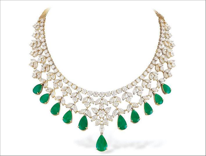 Collana con diamanti e smeraldi