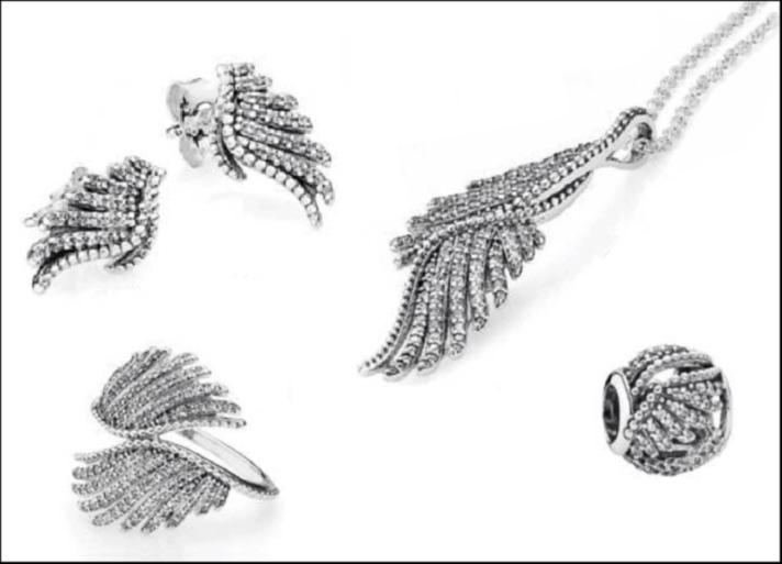 Tema ali della fenice declinato in anello, orecchini, pendente e charm  autunno 2015