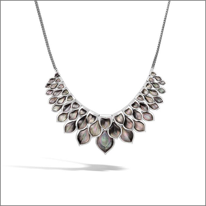 Collana regolabile in argento con madreperla
