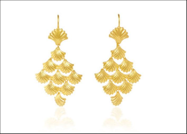Marie-Hélène de Taillac, orecchini Mermaid in oro 22 carati incisi a forma di conchiglia