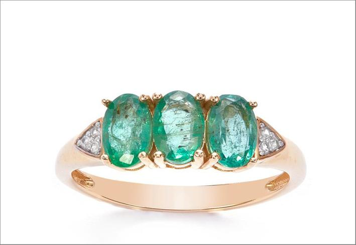 Anello con smeraldi dello Zambia, zirconi, oro 9 carati