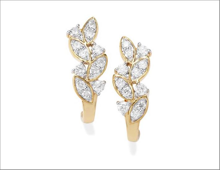 Orecchini in oro 18 carati con diamanti canadesi