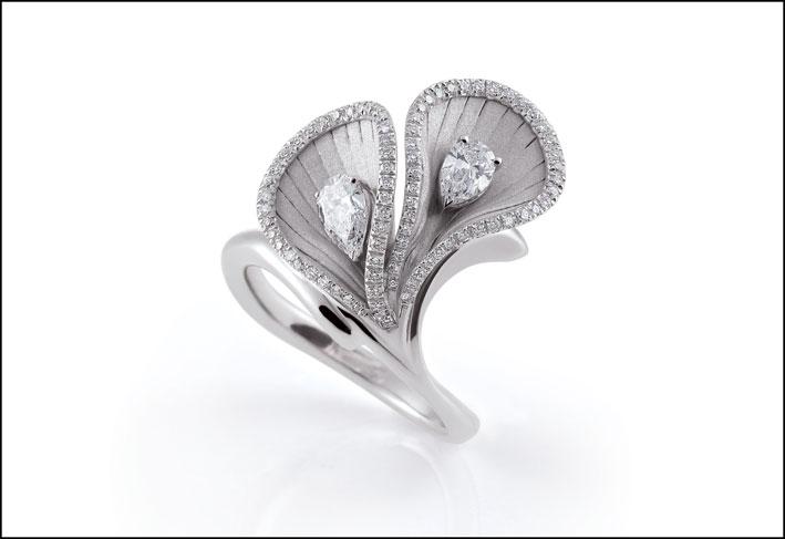 Anello della collezione Premiere in oro bianco e diamanti