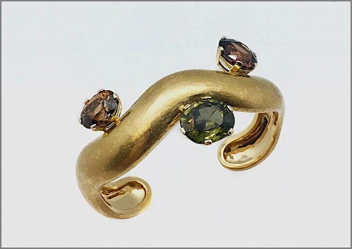 Bracciale in oro 22 carati e gemme di Suzanne Belperron