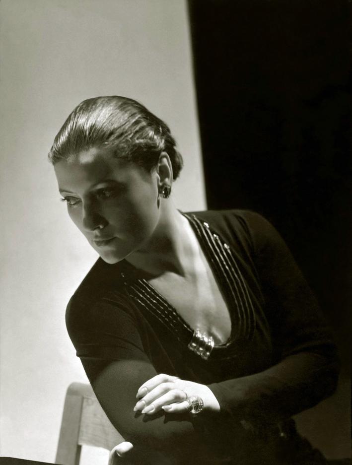 Suzanne Belperron in un'immagine di Horst Paul Albert Bohrmann conosciuto anche come Horst P. Horst