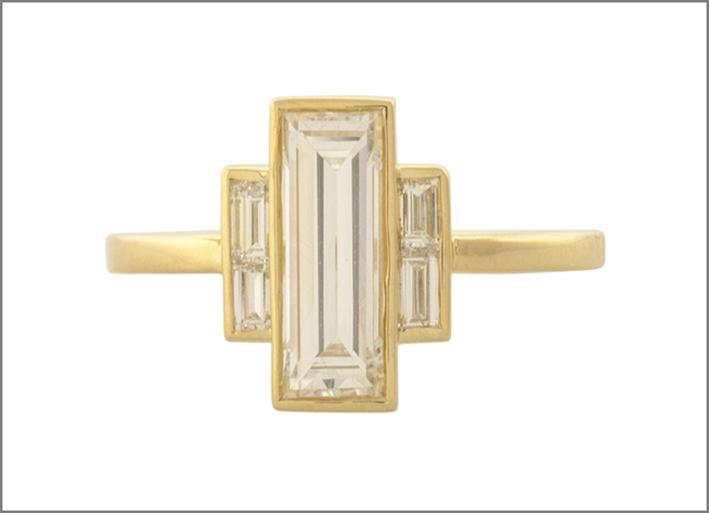 Anello con diamanti a taglio baguette