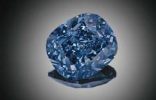 Blue Moon, diamante di 12.03 carati, perfetto internamente, vendito per 48,5 milioni