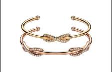 Sopra: Bracciale doppio Tiffany Infinity in oro rosa 18k con diamanti, medio. Prezzo:  5.750 euro. Sotto: Bracciale doppio Tiffany Infinity in oro rosa 18k con diamanti, medio. Prezzo:  8.100 euro