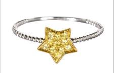 Anello stella. Prezzo: 600 euro