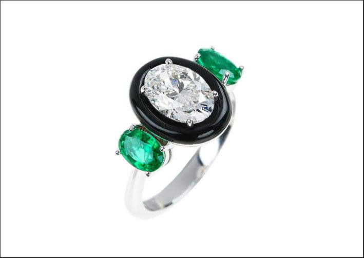 Collezione Oui, anello con diamante, smeraldo e smalto